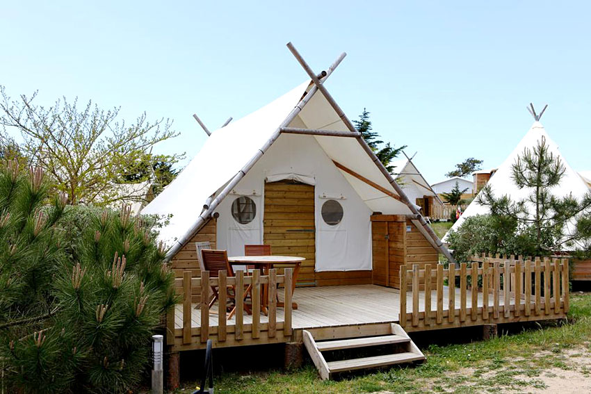 domaine le midi glamping noirmoutier ex domaine les moulins glamping gallery. Black Bedroom Furniture Sets. Home Design Ideas